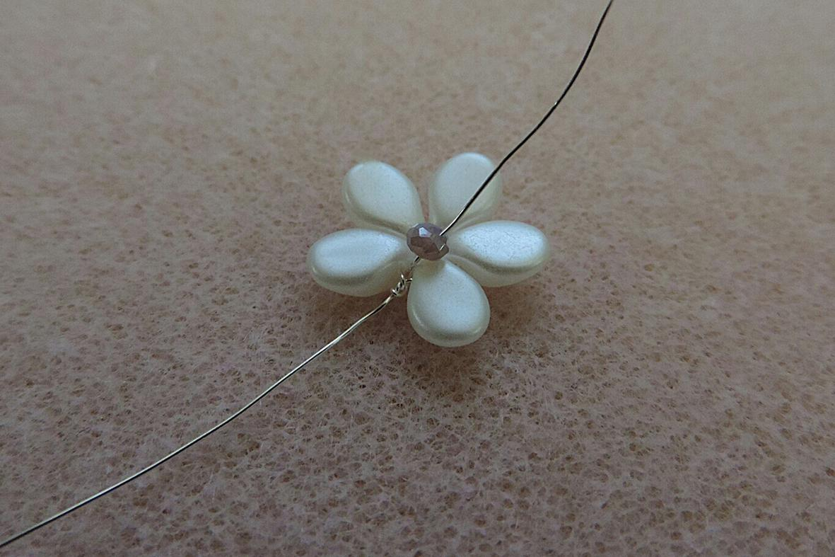making the Pip beads flowers 4