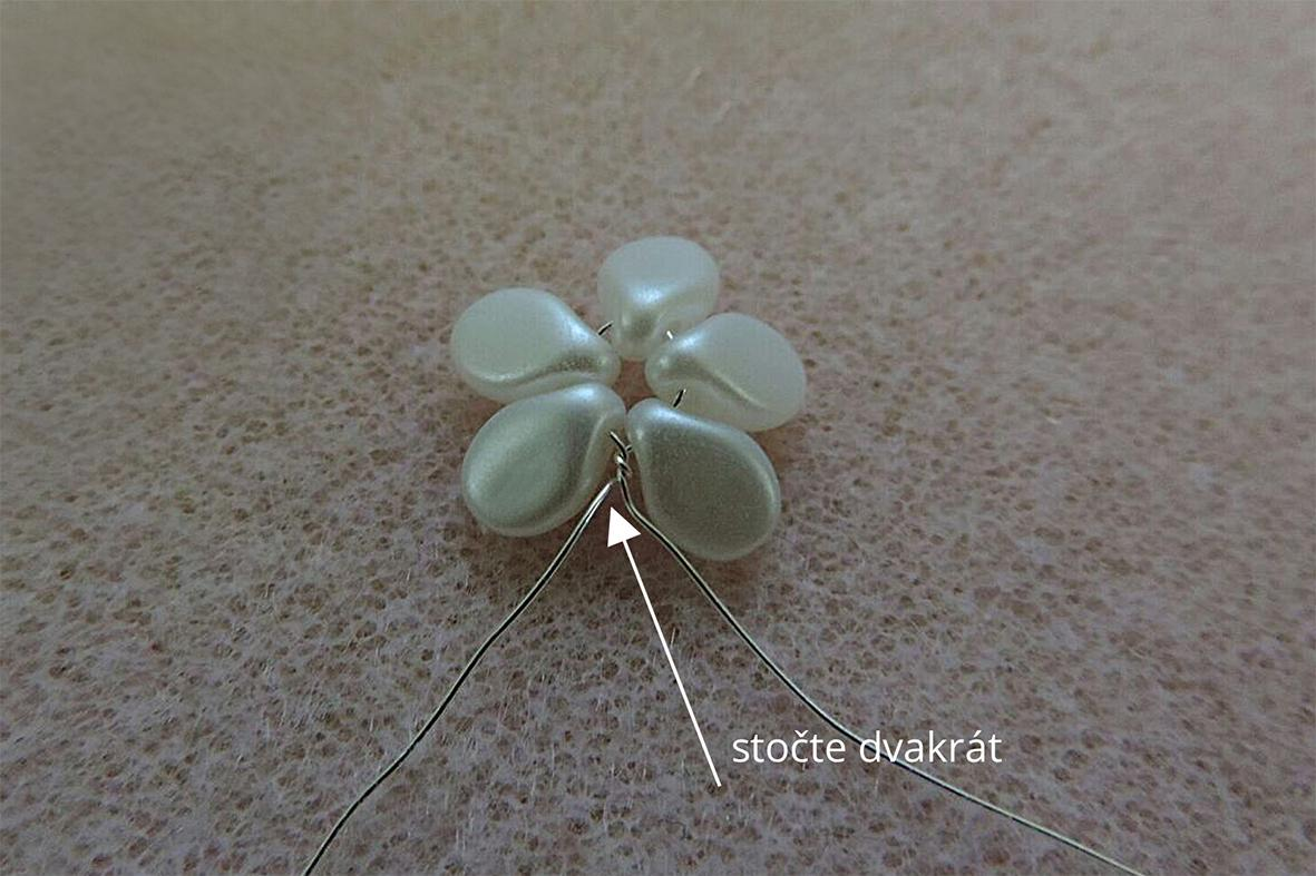 making the pip beads flowers 2 cz